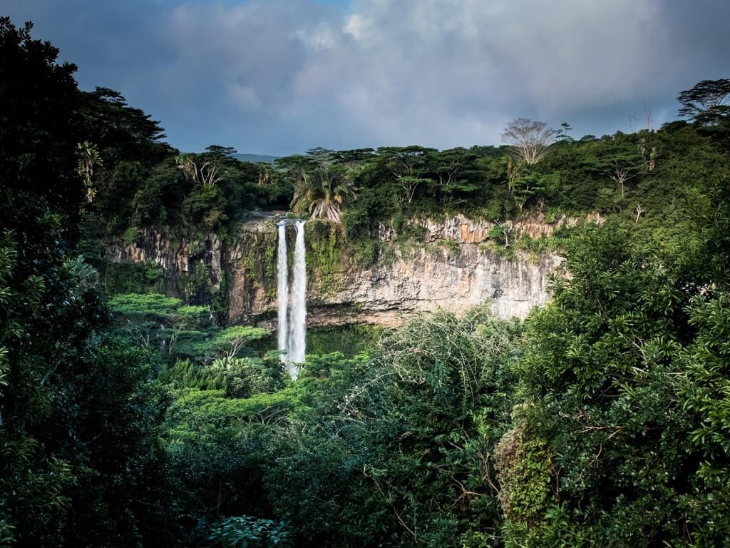 waterfall-1030737_1280